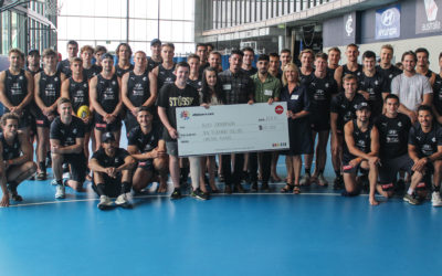 Players donate $10,000 to Carlton Respects